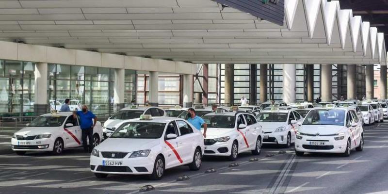 Taxis a la salida del aeropuerto de Madrid Barajas